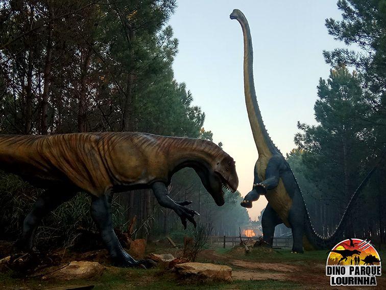full size dinossaur statues
